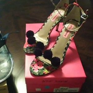 Michael Kors Shoes - Michael Kors sandal